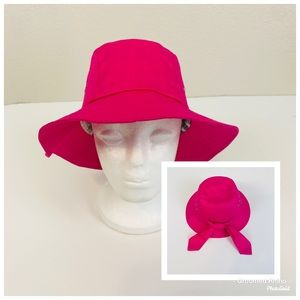 NWOT Betmar Knotted Cloche Bucket Hat OS